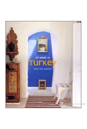 At Home İn Turkey - Solvi Dos Santos