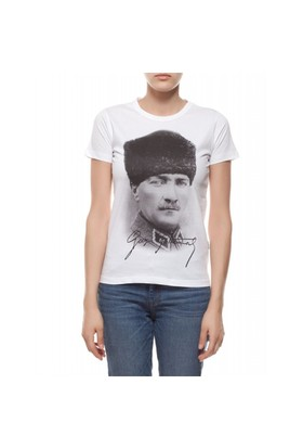 Gazi Mustafa Kemal Atatürk Kadın T-Shirt