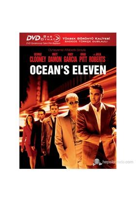Ocean's Eleven (Bas Oynat)