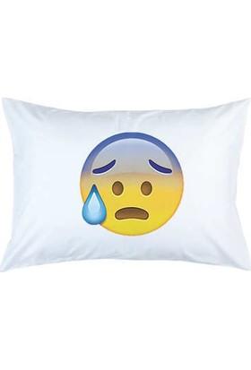 Hediye Mucidi Panik Emoji Yastık Kılıfı