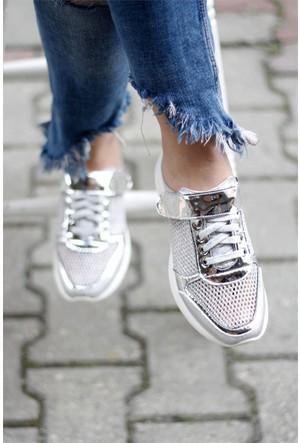 İnce Topuk Arkası Açık Fileli Ayakkabı Gümüş