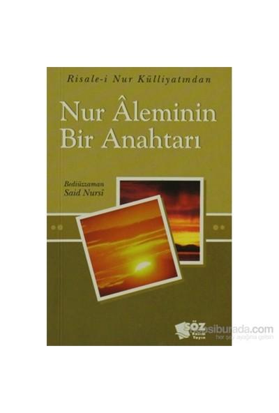 Nur Aleminin Bir Anahtarı (Orta Boy)-Bediüzzaman Said-İ Nursi