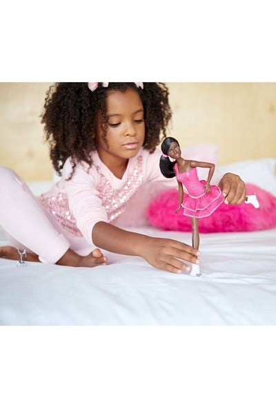 Barbie Buz Patenci Bebek Esmer
