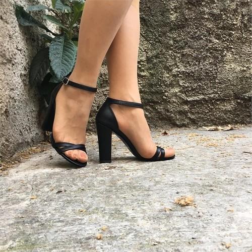 Shop and Shoes 173-021530 Siyah Kadın Sandalet