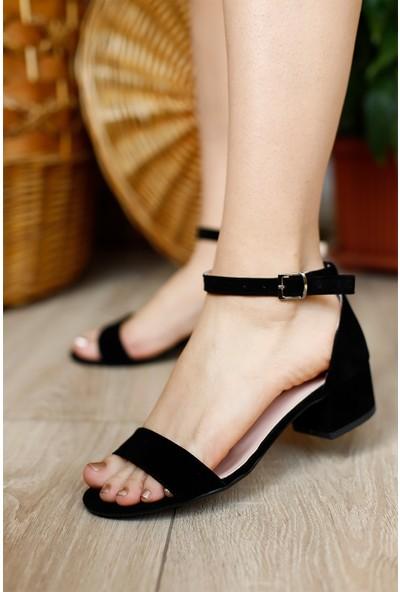 Dora Kadın Siyah Tek Bantlı Fındık Topuklu Ayakkabı