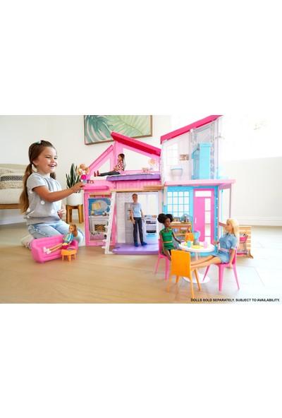 Barbie'nin Malibu Evi, Dönüşüm Özellikli, 25'ten Fazla Parçalı ve 2 Katlı Bebek Evi FXG57