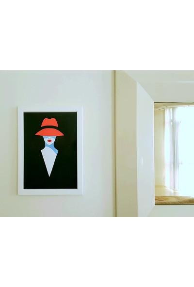 Integral Sanat Kırmızı Şapkalı Kadın