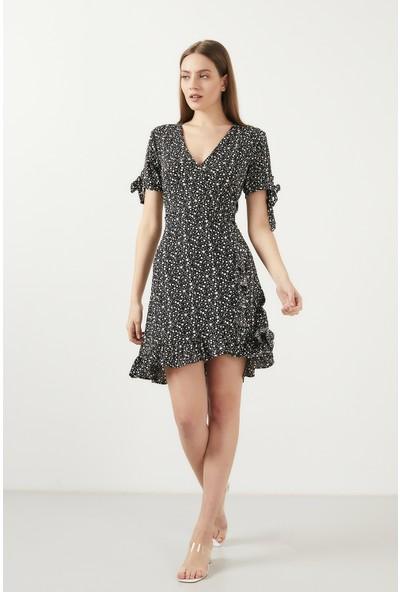 Lela Çiçekli V Yaka Fırfır Detaylı Mini Elbise Kadın Elbise 5863719