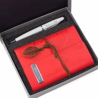 Hediye Rengi Isme Özel Tasarım Kutulu Deri Kapaklı Hatıra Defteri ve Kalem Seti Kırmızı
