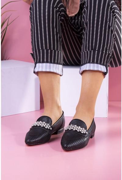 Park Moda Taş Detaylı Siyah.cilt Kadın Babet