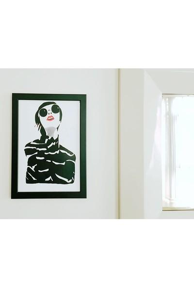 İntegral Sanat Siyahlı Kadın