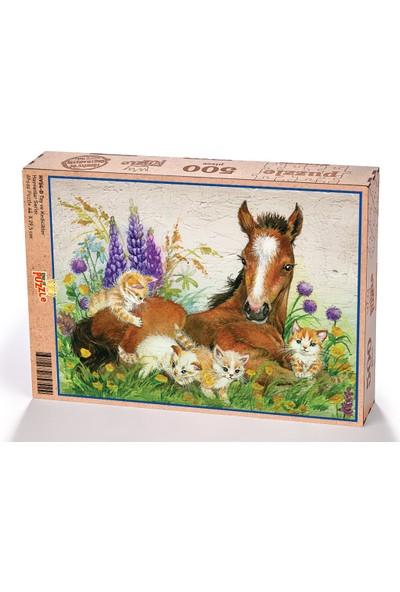 King Of Puzzle Tay ve Kedicikler Ahşap Puzzle 500 Parça