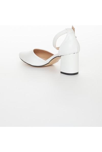 Zulu Kadın Beyaz Kalın Topuklu Yazlık Ayakkabı