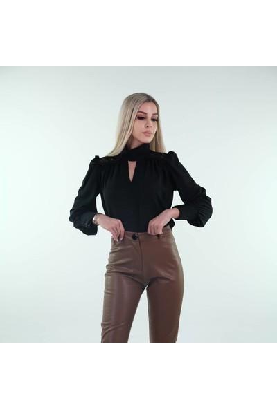 Sateen Kadın Siyah Bogaz Detaylı Bluz