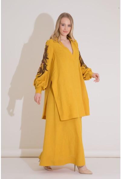 GIZIA Nakış Detaylı Safran Rengi Uzun Katlı Elbise