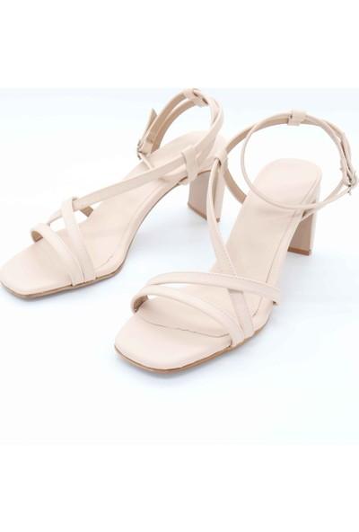 Black White Topuklu Ayakkabı AP-1003 - Bej