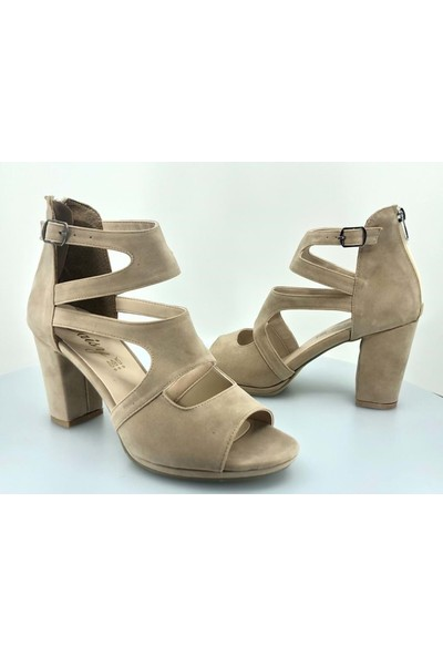 Kocamanlar Daisy Kadın Tokalı Topuklu Ayakkabı