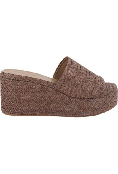 Hobby Kahverengi Hasır Dolgu Topuk Kadın Terlik 2201
