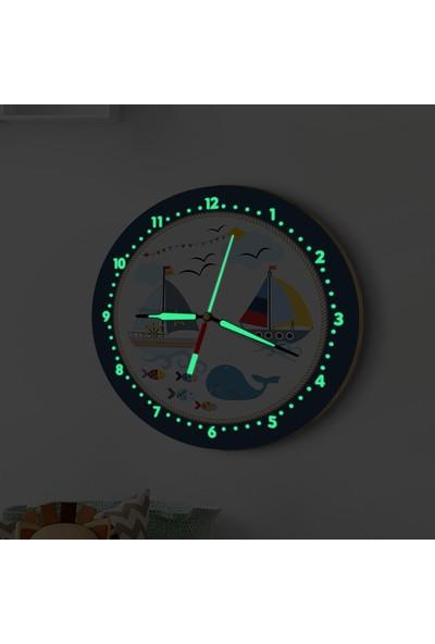 DekorLoft Fosforlu Gece Parlayan Çocuk Odası Duvar Saati Denizci Rüyası