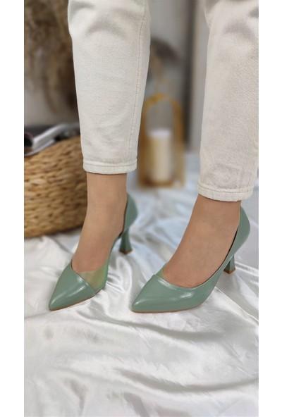 Karla Kadın Topuklu Ayakkabı Kırışık Rugan Yeşil