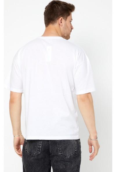 Tarz Cool Erkek Beyaz Bol Kesim Nakışlı T-Shirt-Ntalner03S