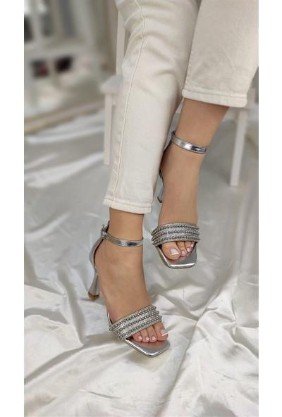 Clara Kadın Topuklu Abiye Ayakkabı Kırışık Rugan Gümüş