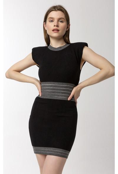 Coral O Yaka Kolsuz Örme Elbise Siyah