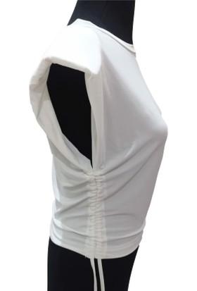 Maestro Beyaz Vatkalı Kolsuz Bluz Ister Yanlarını Büzerek Küllanarak Croptur
