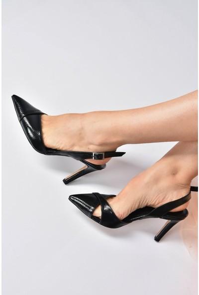 Fox Shoes Siyah Rugan Kadın Topuklu Ayakkabı K820009008