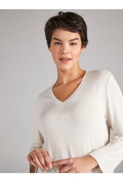 Faik Sönmez V Yaka Truvakar Kol T-Shirt 61021