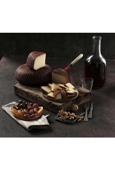 Ünal Çiftliği Isli Çerkez Peyniri 450 gr (Adet)