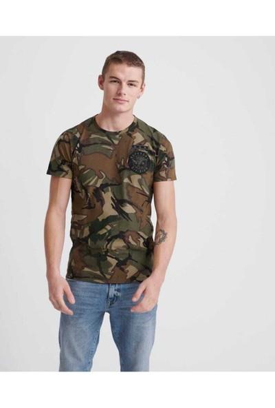 Superdry Erkek Kahverengi Kamuflaj Desenli Yuvarlak Yaka T-Shirt