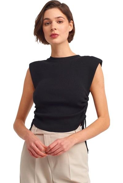 Maestro Siyah Vatkalı Kolsuz Bluz Ister Yanlarını Büzerek Küllanarak Croptur