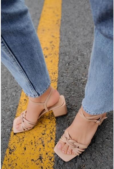 Hartum Deri Bilekten Bağlamalı Boğumlu Bant Nude Alçak Topuklu Ayakkabı