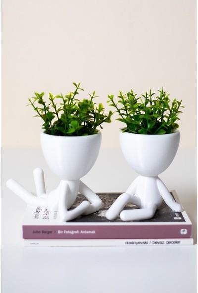Vip Home Concept Insansı Saksılar Plastik Beyaz 4'lü Set Yapay Karma Çiçekli Saksı Dekoratif