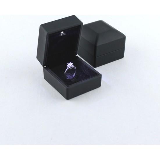 Entina Işıklı Siyah Yüzük Kutusu