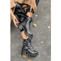 İnan Ayakkabı Kadın Fermuarlı ve Dış Yandan 2 Adet Toka Detaylı Bot