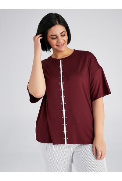 Faik Sönmez Taş Detaylı Kontrast Şeritli T-Shirt 61639