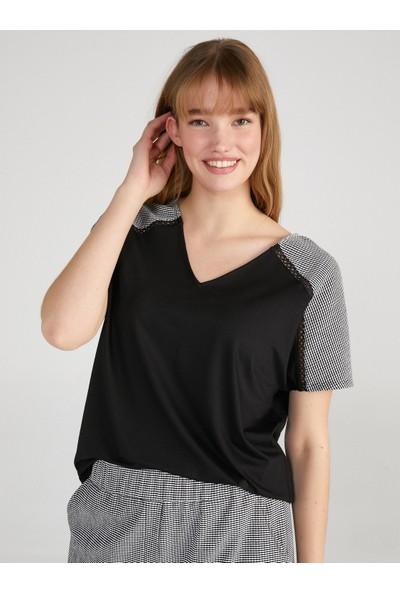 Faik Sönmez Gingham Desen Omuzlu V Yaka T-Shirt 62513