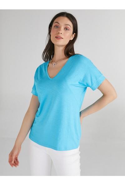 Faik Sönmez V Yaka T-Shirt 62017