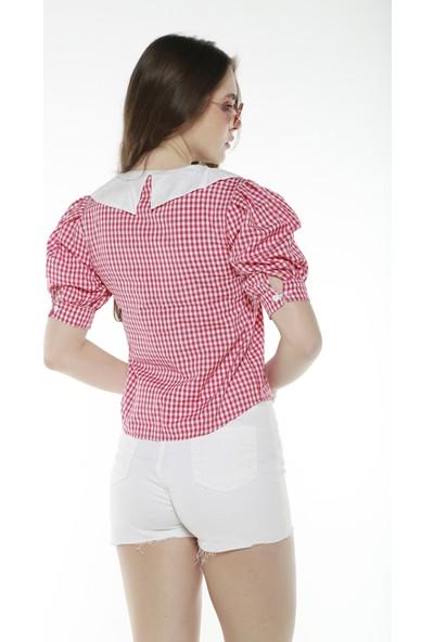 Şamdan Kadın Kırmızı Yaka Detaylı Gömlek