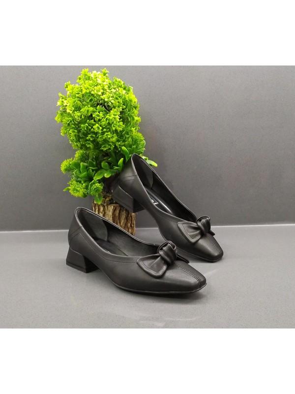 De Scario Kısa Kalın Topuklu Kadın Siyah Ayakkabı