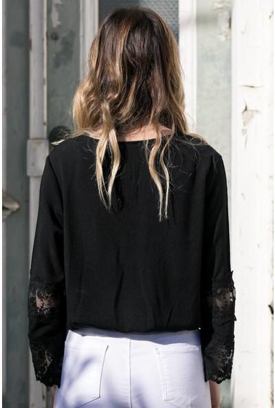 Xhan Siyah Dantel Detaylı Bluz 8YXK2-30396-02