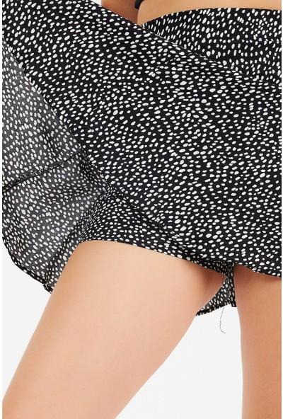 4 Sisters Fashion Beyaz Desenli Siyah Şort Etek