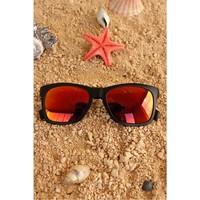 Morvizyon Clariss Marka Siyah Mat Çerçeveli Kırmızı Renkli Cam Tasarımlı Unisex Güneş Gözlüğü