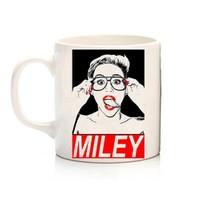 Köstebek Miley Cyrus Kupa
