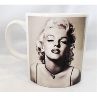Köstebek Marilyn Monroe Kupa