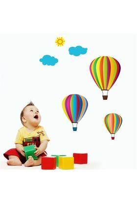 Modelce Uçan Balonlar Çocuk Odası Sticker ve 2 adet Priz Sticker