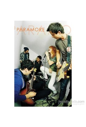 Paramore Live Maxi Poster