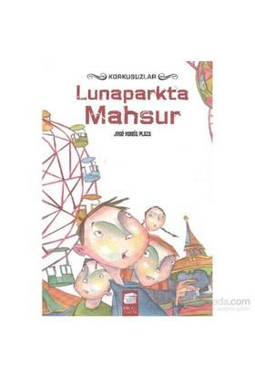 Lunaparkta Mahsur-Jose Maria Plaza